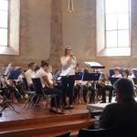 Ansage der Stücke des Jugendorchesters von Katharina Waibel