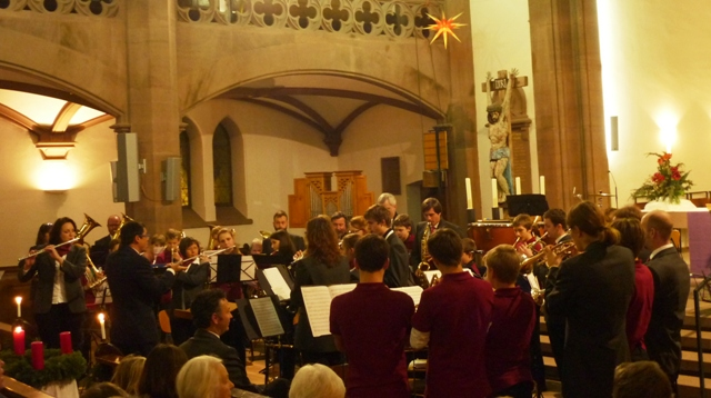 Jugendkapelle und Hauptorchester am Weihnachtskonzert 2014