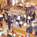 Das Jugendorchester musiziert gemeinsam mit dem Hauptorchester